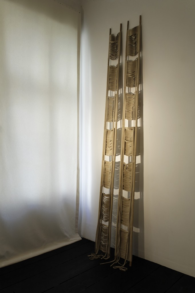 Leonor Antunes »1969 I«, 2008. Bamboo, leather 10 x 300 x 5 cm.