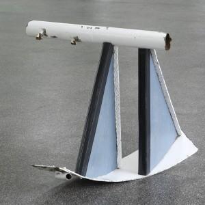 Installation view: Nora Schultz, »Fernrohr«, 2009, Found object, 79 x 96 x 82 cm. »10 9 8 7 6 5 4 3 2 1«, Kölnischer Kunstverein, Cologne, 23.04.09—07.06.09.