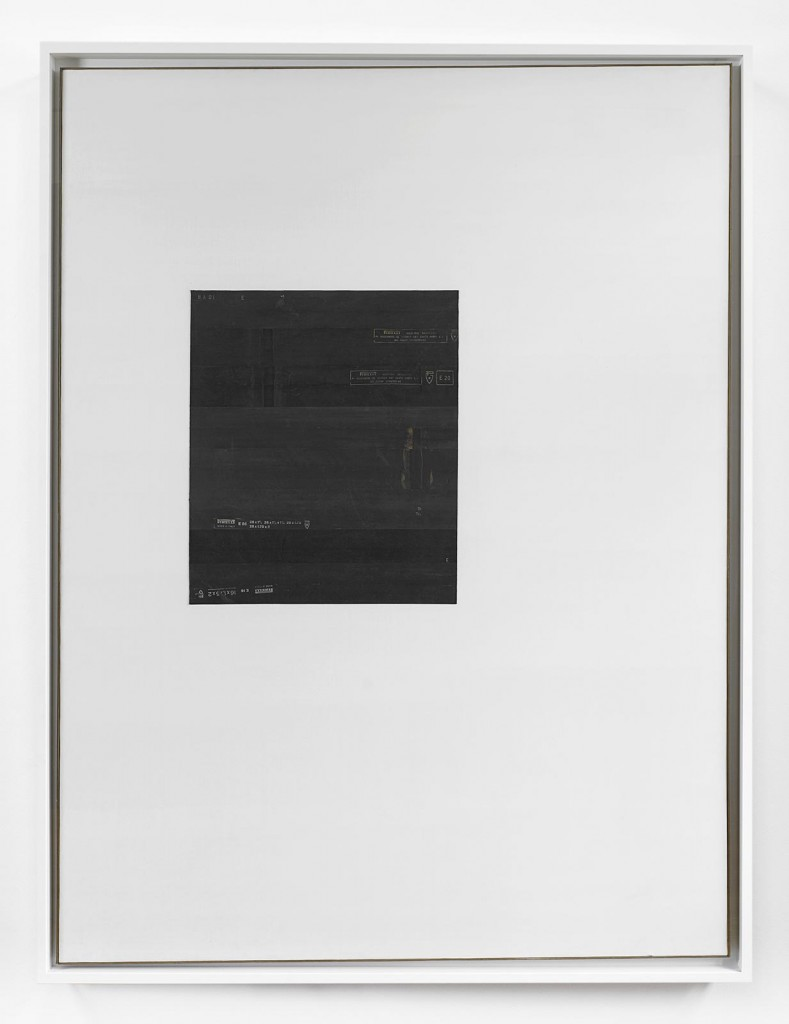 »Smentire il bianco«, 1973. Rubber on canvas. 200 x 150 cm. Framed: 208,5 x 158,7 x 7 cm. Unique.