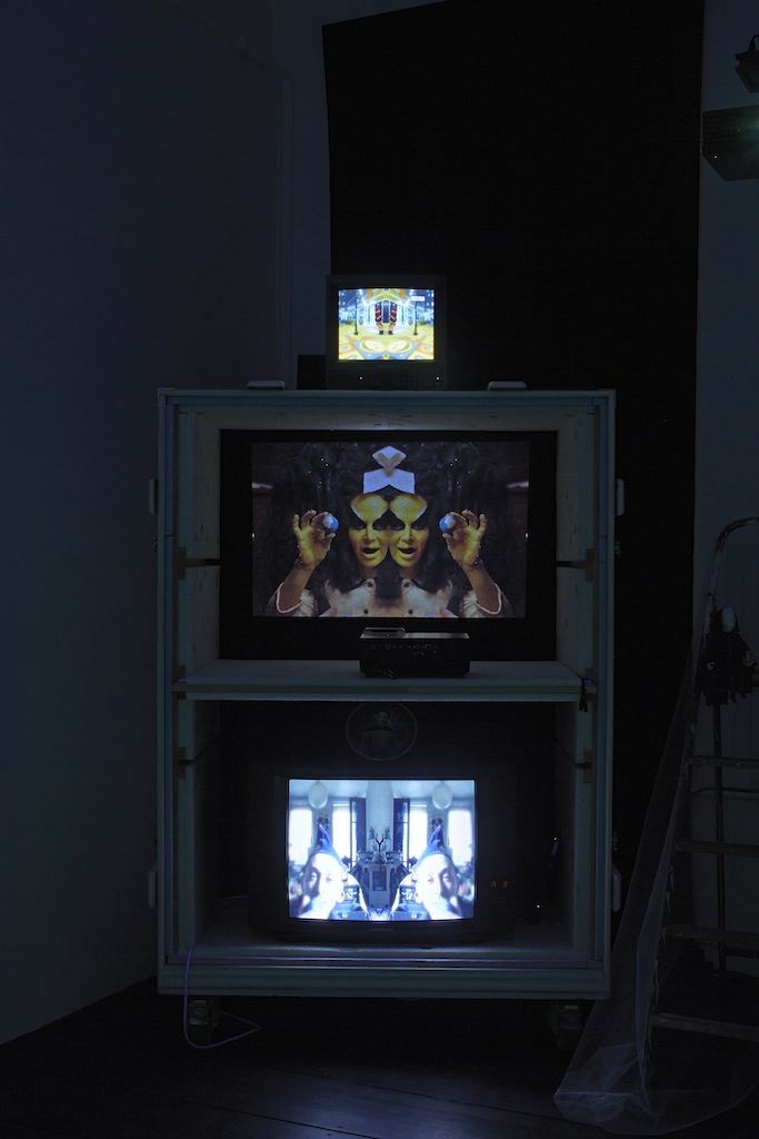 Danny McDonald, <i>THE BEADS (That Bought Manhattan)</i>, 2013-2015, six channel video installation, mixed media