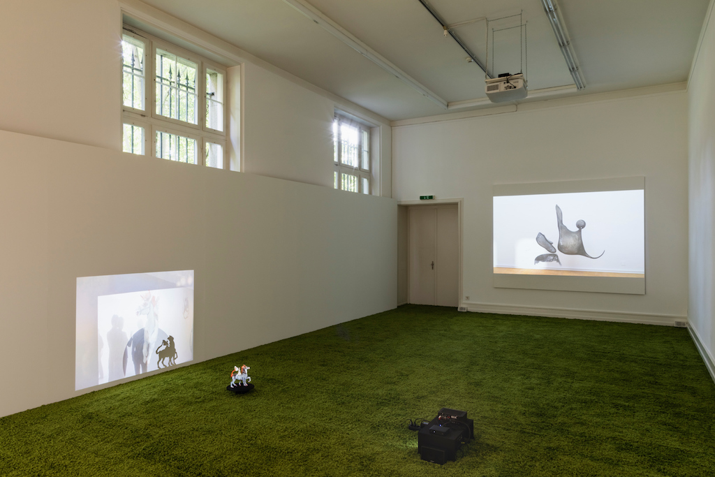 »I Want to Live in the Country (and Other Romances)«<br/>with Marie Angeletti, Olga Balema, Dawn Mok and Kate Sansom invited by Juliette Blightman<br/>installation view, Kunsthalle Bern, 24.09.16-13.11.16