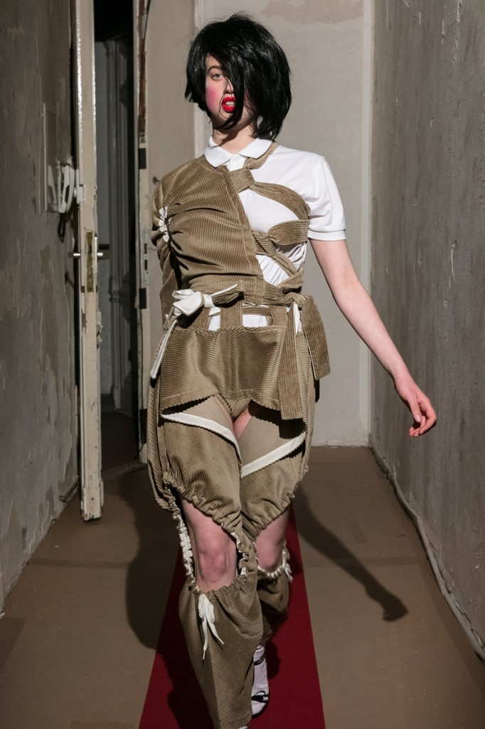 Symonds Pearmain, Haute Militaire, A/W 2017, Eden Eden, Berlin 28.04.17 Photo: Mark Blower