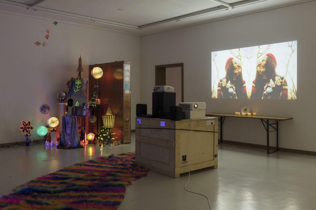 Installation view, Danny McDonald, Kunsthaus Glarus: Sie sagen, wo Rauch ist, ist auch Feuer, 12.08.2017—01.11.2017 Photo: Gunnar Meier