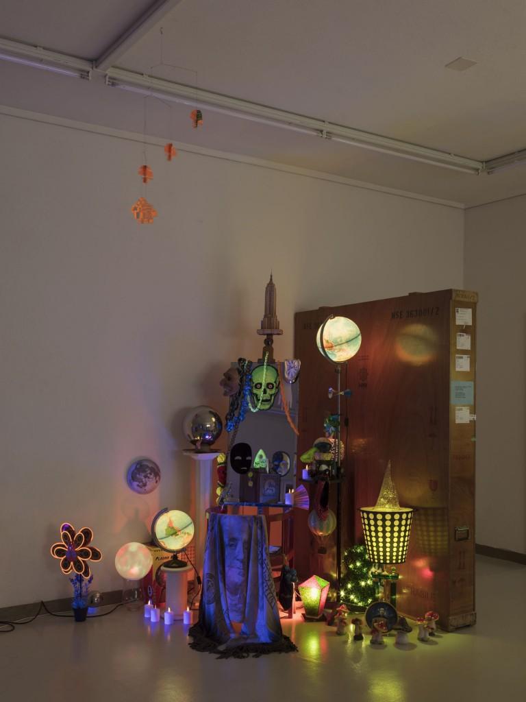 Installation view, Danny McDonald, Mindy Vale's Vanity Workstation, 2010-2015, Kunsthaus Glarus: Sie sagen, wo Rauch ist, ist auch Feuer, 12.08.2017—01.11.2017 Photo: Gunnar Meier