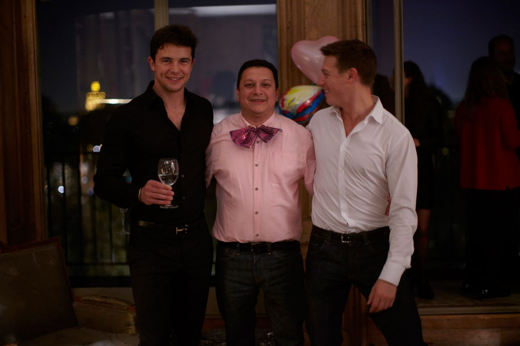 Oscar Murillo, »Eduardo's 45th Birthday Party at the Vedovi's Paris apartment«, 2012. Performance. Dimensions variable.