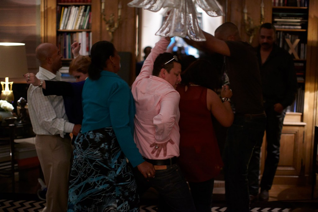Oscar Murillo, »Eduardo's 45th Birthday Party at the Vedovi's Paris apartment«, 2012. Performance. Dimensions variable.