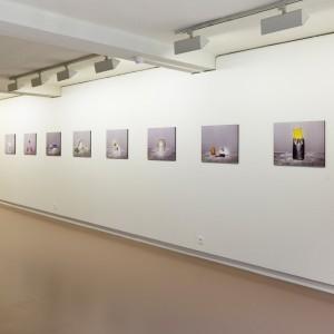 Jos de Gruyter & Harald Thys. »Objekte als Freunde 1-300«. 2010 - 2012. mounted Lambda print. each 48 x 60 x 1.2 cm
