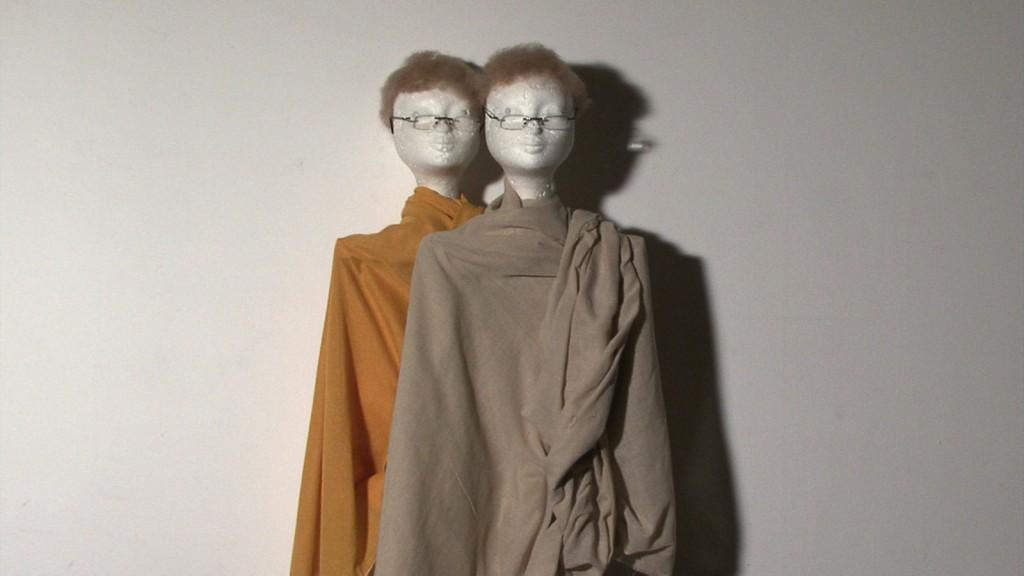 Jos de Gruyter & Harald Thys. »Les énigmes de Saarlouis (Still)«. 2012. video.  dimensions variable. Unique