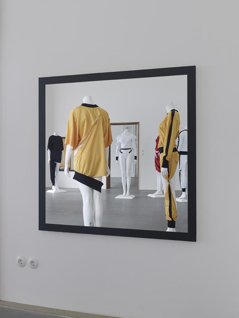 Anthony Symonds, »Functional Sportswear S/S«, Installation view, Eden Eden, Berlin, 04.10.14-13.12.14