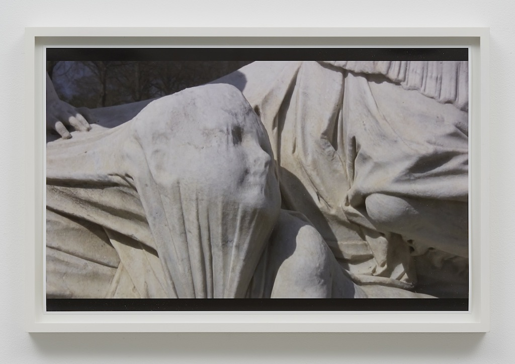 »Suffocating«, 2015, Archival pigment print, Framed: 32 x 49 cm