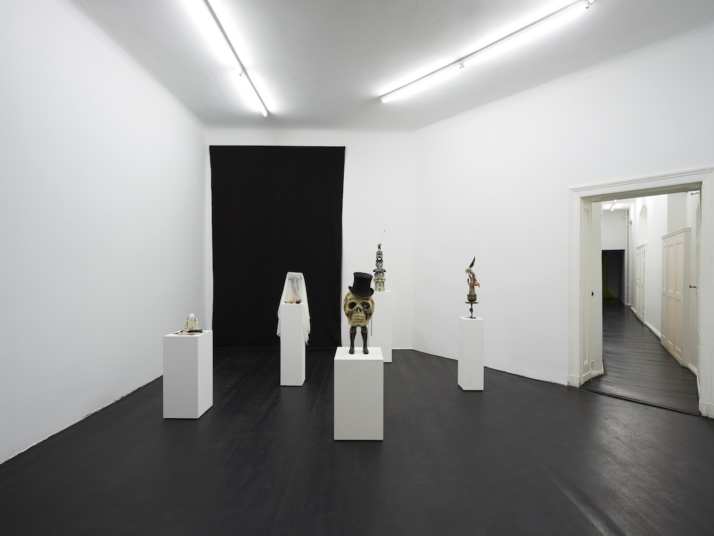 Installation view: Danny McDonald, <i>The Beads (That Bought Manhattan)</i>, Galerie Isabella Bortolozzi, Berlin, 24.02.15—02.04.15
