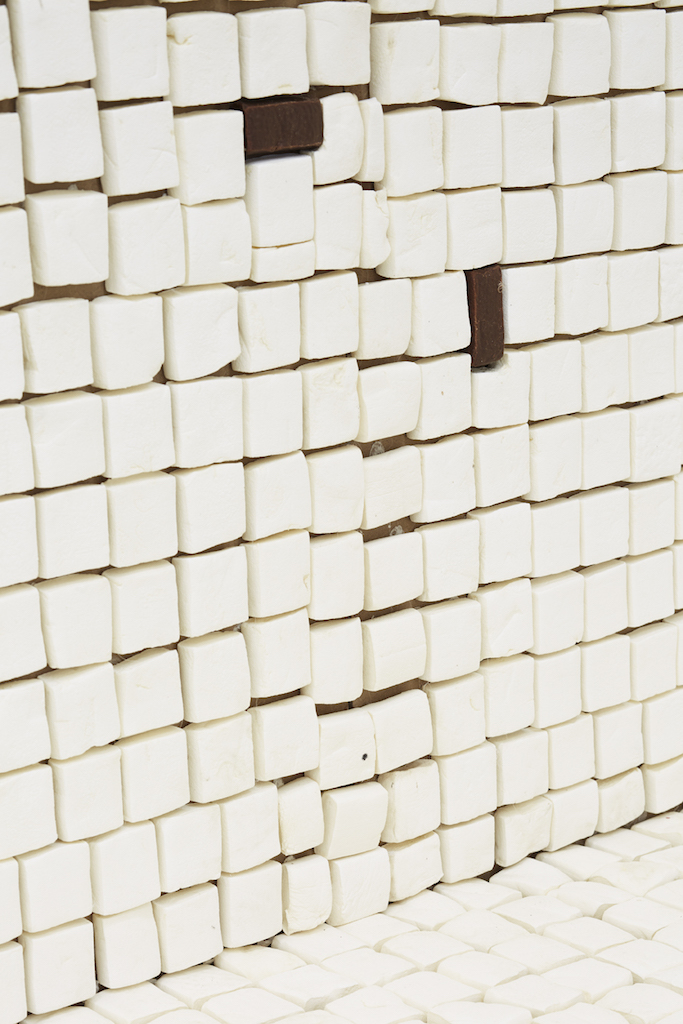 Aldo Mondino, »Untitled (marshmallow swimming pool)« (detail), 1982, marshmallow, cardboard and glue, dimensions variable