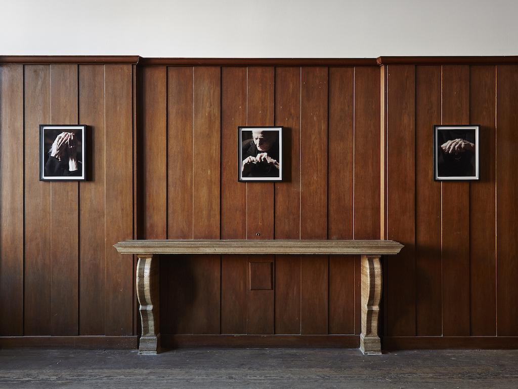 Carol Rama, »Ferite della memoria« - selected works, installation view, Galerie Isabella Bortolozzi, Berlin, 26.01.16-05.03.16<br/> Framed portraits of Carol Rama by Bepi Ghiotti