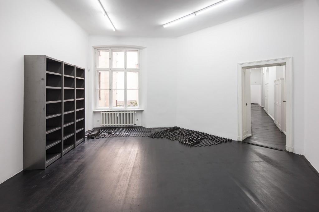 Ibon Aranberri, Sources without qualities, 2017, Metal cabinet, steel elements, 224 x 182 x 40 cm, Unique, Photo: Thomas Bruns
