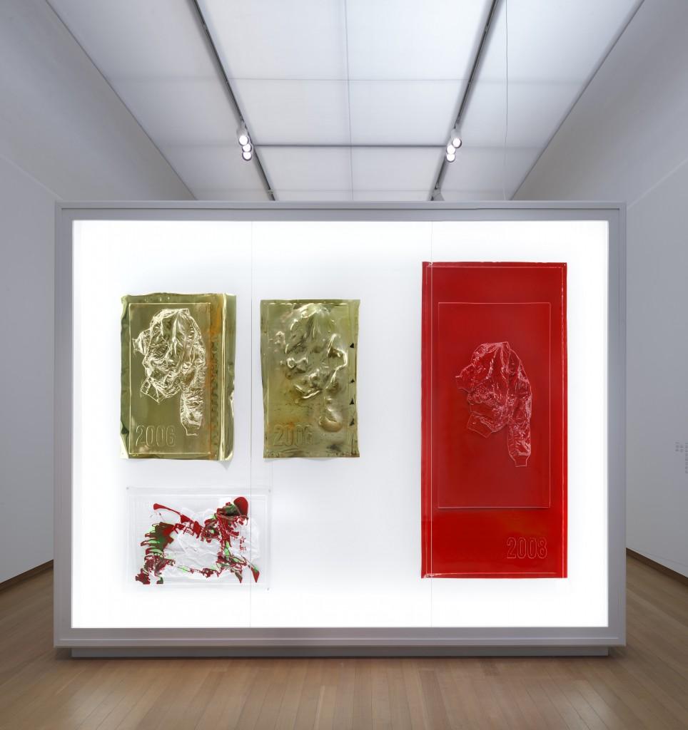 Seth Price, Installation view Social Synthetic, at Stedelijk Museum, Amsterdam 15.0417 - 03.09.17, Photo: Gert Jan van Rooij