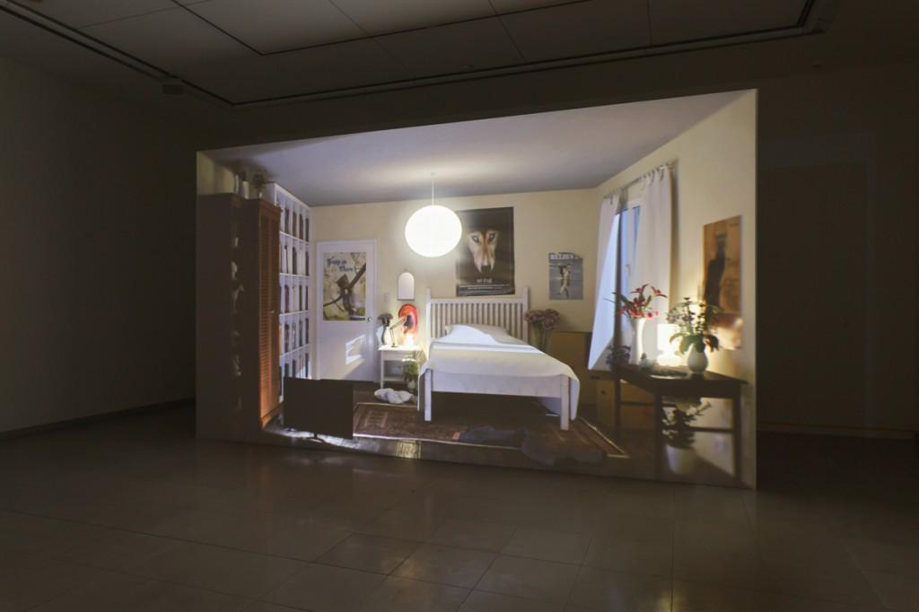 Ed Atkins, Hisser, 2015, HD Video projection with 5.1 surround sound, Duration: 21:51 mins, MMK Museum für Moderne Kunst Frankfurt am Main 3.02.17 — 14.05.17
