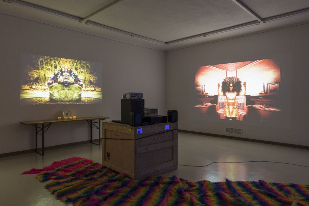 Installation view, Danny McDonald, The BEADS (That Bought Manhattan), 2013-2015, Kunsthaus Glarus: Sie sagen, wo