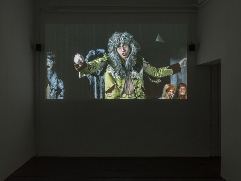 Installation view, CROCOPAZZO!, Galerie Isabella Bortolozzi, Berlin, 2020. Photos: Roman März.
