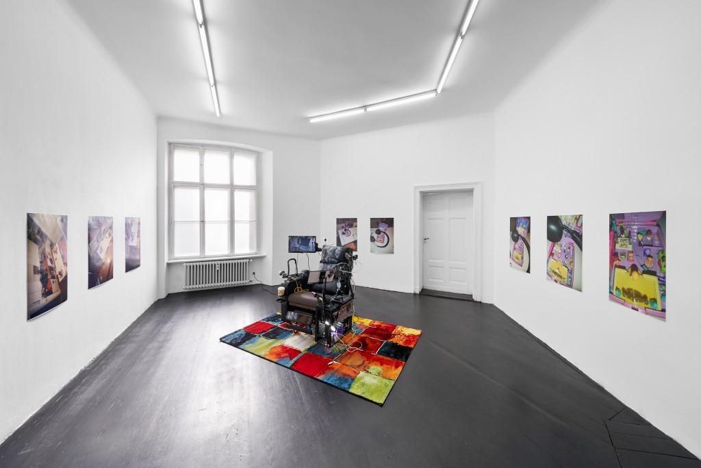 Installation view, Morag Keil, Hogmanay, Galerie Isabella Bortolozzi, Berlin, 2021. Photos: Graysc.
